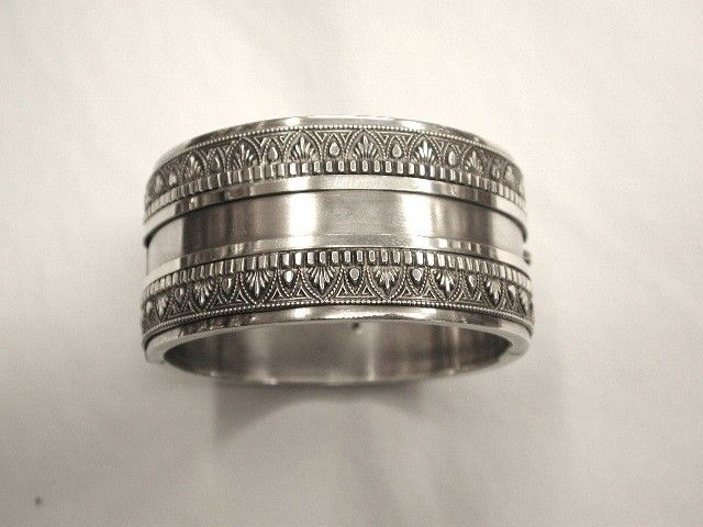 Antique Victorian Silver Bangle with Etruscan Decoration