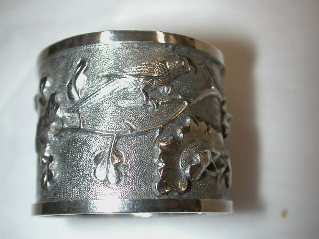 Chinese Silver Napkin Ring decorated  with Chrysanthamum and Bird