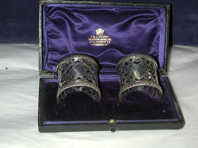 Pair of Victorian Antique Silver Pierced and Engraved Napkin Rings In Leather Box