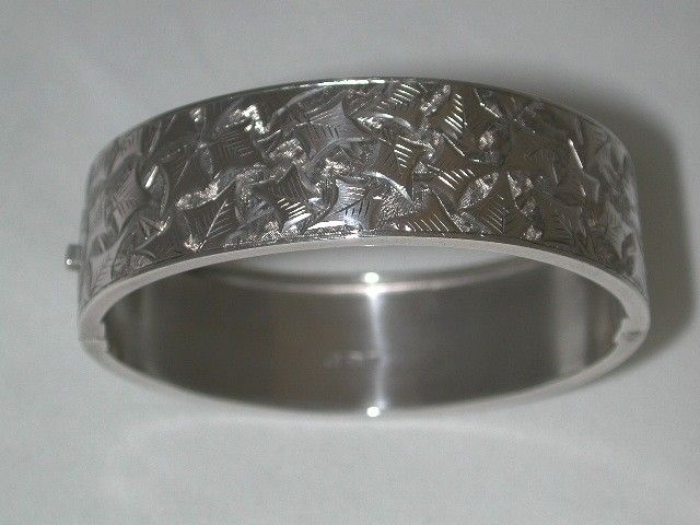 Antique Victorian Silver Bangle with Ivy engraving